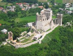 Hungarian castle ~ The castle of Csesznek was built in the century. Castle Ruins, Medieval Castle, Schengen Area, Heart Of Europe, Beautiful Castles, Budapest Hungary, Countryside, Places To Visit, Around The Worlds