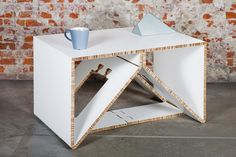 AXIOMA - Cardboard designed and manufactured in one piece. Online store…