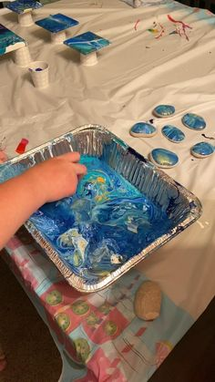 Stone Crafts, Rock Crafts, Resin Crafts, Resin Art, Fall Crafts, Diy Crafts, Beach Rocks Crafts, Cadeau Parents, Art For Kids