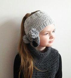 Koala Headband Ear Warmer Knit Headband Head Wrap Girls Shop accessories for women at Urban Outfitte Headband Bandeau, Diy Headband, Knitted Headband, Knitted Hats, Crochet Headbands, Baby Headbands, Knitting For Kids, Baby Knitting, Crochet Baby