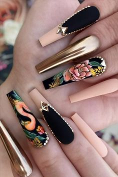 How to have glitter coffin nails in summer for women - Abby FASHION STYLE inspiration Bling Acrylic Nails, Summer Acrylic Nails, Best Acrylic Nails, Glue On Nails, Bling Nails, Swag Nails, Coffin Nails, Grunge Nails, 3d Nails