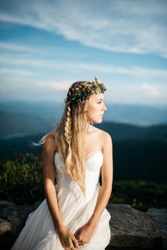 Cascading French braid with naturally straight hair + greenery crown Bridal Braids, Bridal Updo, Bridal Shoot, Bohemian Wedding Inspiration, Bohemian Bride, Elopement Inspiration, Style Inspiration, Braided Hairstyles, Wedding Hairstyles