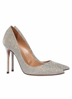 Official online shop Pura Lopez, point-toe high heel pumps in golden glitter. Enter and discover our catalogue. High Heel Pumps, Pumps Heels, Stiletto Heels, Pura Lopez, Golden Glitter, Gold Pumps, Bridal Shoes, Bridal Style, Me Too Shoes