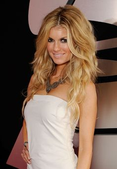 I want my hair to eventually look like hers. #Loveit