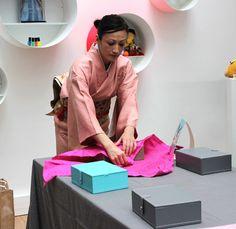 On emballe ses cadeaux avec du tissu avec la technique du Furoshiki