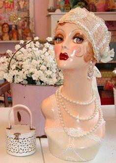 Flapper Mannequin Head Ready to Ship por nostalgiccorner en Etsy