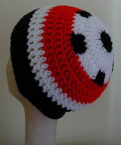 Crochet Soccer Ball Hat Pattern (free) also includes baseball, basketball and football-change to Staley High colors! Crochet Kids Hats, Crochet Beanie Hat, Crochet Cap, Crochet For Boys, Crochet Crafts, Double Crochet, Crochet Projects, Free Crochet, Crocheted Hats