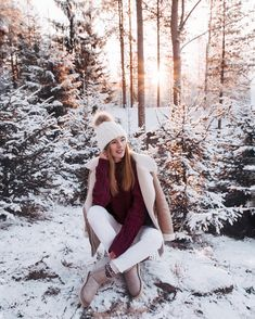 10 Brilliant Winter Outfits To Try Now - Fashion Trend 2019 Winter Senior Pictures, Winter Photos, Winter Pictures, Winter Photography, Girl Photography, Winter Fashion Outfits, Autumn Winter Fashion, Work Fashion, Fall Winter