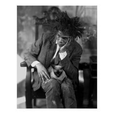 Jean-Michel Basquiat by James Van Der Zee. Harlem-NYC Jean-Michel Basquiat was a Americain neo-expressionistic artist with Haiitian and Porto Rican roots. He worked with Andy Warhol. Jasper Johns, James Van Der Zee, Jm Basquiat, Basquiat Artist, Jean Michel Basquiat Art, Radiant Child, Gordon Parks, Cat People, Andy Warhol