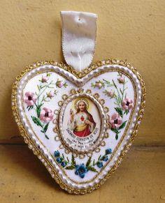 antique, beautiful, sacred heart of jesus, silk embroidery, scapular Peru