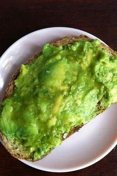 3 easy avocado recipes to make this week! http://www.keeshndb.com/