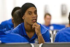 Ronaldinho_bored1