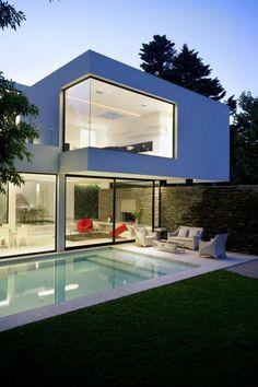 maison cubique transparente, maison à toit plat