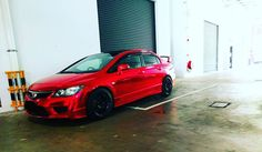 <3 #honda #civic #civictyper #typer #sgcarshoot #lowered #racecar #jdmlegends #jdm #stance #chromered #chrome #fd2r