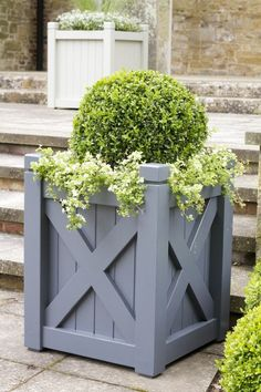 Versailles planter | Hever Planter | A chic adaptation of a versailles planter