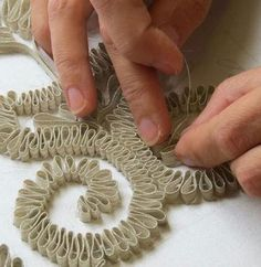 – Learn a new embroidery technique with Hand & Lock. Check out o… – Learn a new embroidery technique with Hand & Lock. Check out our 2017 embroidery workshop schedule on our website. This makes for a perfect gift for an embroidery enthusiast. Techniques Textiles, Fabric Manipulation Techniques, Techniques Couture, Embroidery Techniques, Sewing Techniques, Tambour Embroidery, Couture Embroidery, Embroidery Fashion, Ribbon Embroidery