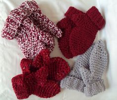 Hand Crocheted Mittens by tracyleeilg1318 on Etsy