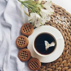 H E L L O S P R I N G С Весной, красавицы #kahvedengi #coffeexample #tv_living #igcoffee #still_life_gallery #1kahve1cay #coffeendlife #kahvve #coffeesesh #cups_are_love #coffee_inst #coffeerem #tv_stilllife #onthetable #flatlays #manmakecoffee #mutluyumçünkü #vscoua #breakfast #breakfasttime #morning #sweethome #vscomorning #kahvaltı #hellomarch