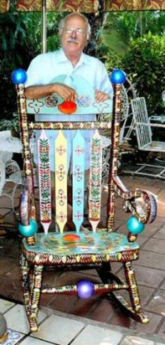 George Miranda, one of the artisans who displays his works at Viernes Culturales in Little Havana. Hand Painted Chairs, Funky Painted Furniture, Trendy Furniture, Living Furniture, Art Furniture, Repurposed Furniture, Accent Furniture, Distressing Chalk Paint, Funky Chairs