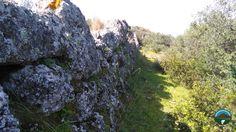 Cerasello - un sistema murario in arenaria costruito dai Brettii nel IV - III Secolo a.c.
