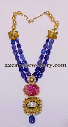Sapphire Beads Set by Falguni Mehta – Jewellery Designs - Gold Jewelry Gold Jewellery Design, Bead Jewellery, Gemstone Jewelry, Gold Jewelry, Beaded Jewelry, Jewelery, Fine Jewelry, Jewelry Necklaces, Necklace Ideas