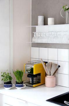 Hylde fra IKEA Home Furniture, Modern Furniture, Dining Room Design, Architecture Design, Ikea, Sweet Home, House Design, Interior Design, Kitchen Stuff