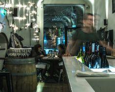 E. Ekblom: Mutkatonta, silti laadukasta bistro-ruokaa yhdistetään monipuoliseen juomatarjontaan. Viinilista hemmottelee kaikkia kukkaroita. Restaurant Bar, Restaurants, Restaurant