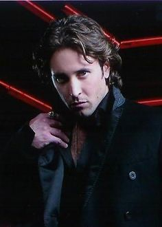 "Loved Alex O'Loughlin as Mick St John on the CBS series ""Moonlight"" he was the hottest vampire ever !"