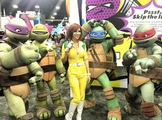 Teenage Mutant Ninja Turtles (and April!) cosplay! I want to hug them....!