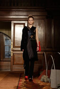 Toga Fall 2015 Ready-to-Wear Fashion Show Look 32 Fashion Brands, Fashion Show, Fashion Design, London Today, Japanese Fashion, Fall 2015, New Trends, Catwalk, Ready To Wear