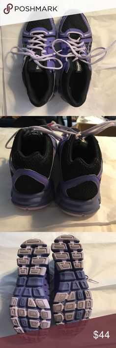Reebok running shoes. Like new! Reebok running shoes. Like new! Only worn twice before I figured out reeboks we're the shoes I needed for my feet. My loss your gain. Offers welcome. 🚫trades. Reebok Shoes Athletic Shoes