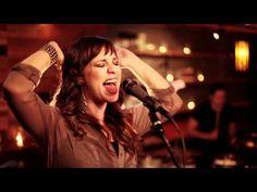 Christine D'Clario - Gloria en lo Alto - Videoclip Oficial HD - Musica Cristiana - YouTube