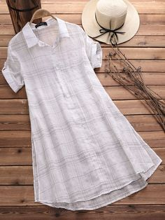 O-NEWE Vintage Plaid Short Sleeve Long Blouses for Women can cover your body well, make you more sexy, Newchic offer cheap plus size fashion tops for women. Tunic Designs, Kurti Neck Designs, Kurta Designs Women, Kurti Designs Party Wear, Designs For Dresses, Chic Outfits, Fashion Outfits, Dress Outfits, Cotton Saree Blouse Designs