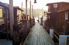 houseboats in old Seattle