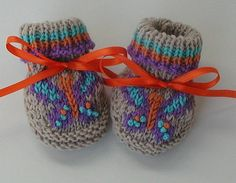 Knit Baby Booties via Etsy.
