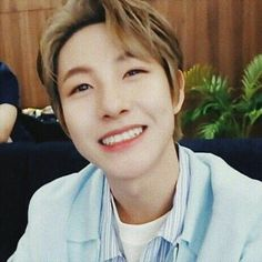 Read REACTS ☞ (NCTDREAM) Spending Christmas with the Boys from the story nct imagines by hheystobit (부서진) with 958 reads. Nct 127, Hoseok, Nct Dream Members, Jisung Nct, Huang Renjun, Cutest Thing Ever, Kpop, Boyfriend Material, Jaehyun