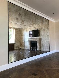 32 Pretty Mirror Houses Design Ideas With Nature Surroundings - Of all types of art, one field that is gaining fast popularity is interior designing. It is because people spend lot money to build their dream houses. Mirror Panel Wall, Mirror Wall Tiles, Mirror Ceiling, Bedroom Wall Mirrors, Mirror House, Hyde Park, Antique Mirror Tiles, Antiqued Mirror, Apartment Interior