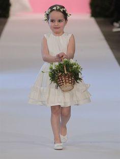 Oscar de la Renta Coleção Bridal 2015 - Flower Girl.