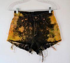 Vintage High Waist Levi 550 shorts black bleach tie dye orange and yellow 26 inch waist Jr. High Waisted Shorts, Waisted Denim, Denim Shorts, Women's Jeans, Diy Fashion, Fashion Outfits, Fashion Weeks, Paris Fashion, Short Jeans