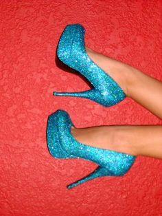 <3 glitter heels! YES PLEASE!!!!!