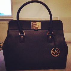 women bags only $49 for Christmas Gift,Repin It and Get it immediately! Not long time Lowest Price.