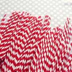 red stripey straws. so cute.