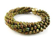 free kumihimo bracelet tutorial using long magatama beads
