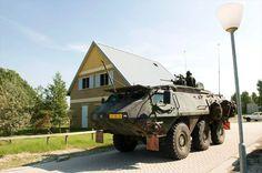 Een Patria tijdens een oefening Stoter Preparation in oefendorp Marnehuizen in 2009.