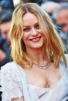 Vanessa pour ELLE du mois de septembre 2016 @fabrizio Vanessa Paradis, Jony Dep, Gap Teeth, Lily Rose Depp, Without Makeup, Love Her, Glamour, Hailey Baldwin, Celebrities