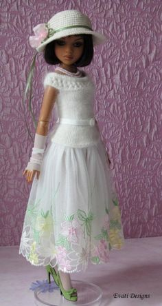 From *evati* on ebay, SOLD for $67.99 on 7/21/14.