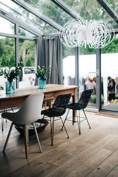 Interior design Scandinavian Architecture - Check out these 50 summer scandinavian interior design inspirational images for your house Scandinavian decor is still so trendy these days and for summer i find that it makes your house very mini… Interior Design Styles, Dining Room Design, Modern Interior Design, Decor, Apartment Decor, Living Room Scandinavian, Scandinavian Dining Room, Home Decor, Scandinavian Interior Design