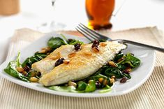 Try our easy-to-make foil pack recipe for perfectly cooked fish fillets. These flavourful foil packets are easy to assemble, with minimal clean- up.