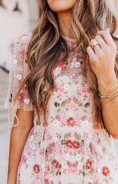 Love the floral details
