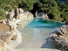 Busca imágenes de diseños de Albercas estilo mediterraneo de Biodesign pools. Encuentra las mejores fotos para inspirarte y crear el hogar de tus sueños.